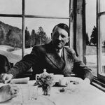 f9f33cec37721af071789b061c8da863 - «حوّا، حالا وقت خودکشیست!» - مهدی تدینی, معشوه هیتلر کیست, معشوقه هیتلر, زن هیتلر که بود, زن هیتلر, دوست دختر هیتلر, حوا براون, آدولف هیتلر, eva braun