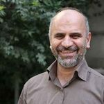 farshad momeni - نویسندگان -