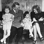 wn20130209z2a - «حوّا، حالا وقت خودکشیست!» - مهدی تدینی, معشوه هیتلر کیست, معشوقه هیتلر, زن هیتلر که بود, زن هیتلر, دوست دختر هیتلر, حوا براون, آدولف هیتلر, eva braun
